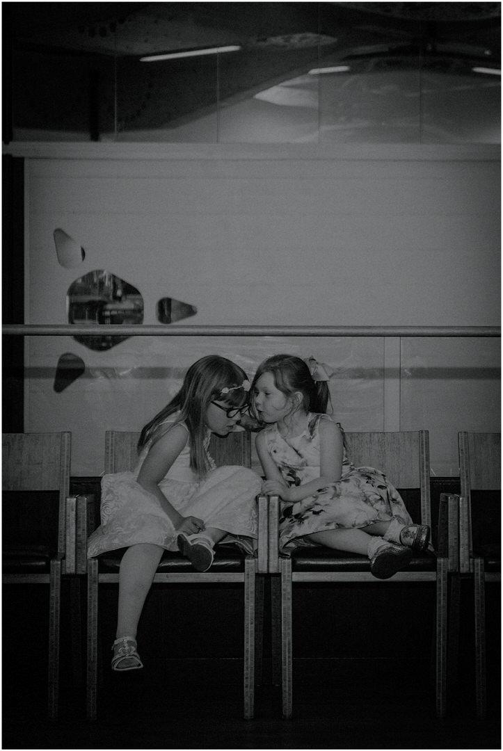 girls chatting at wedding